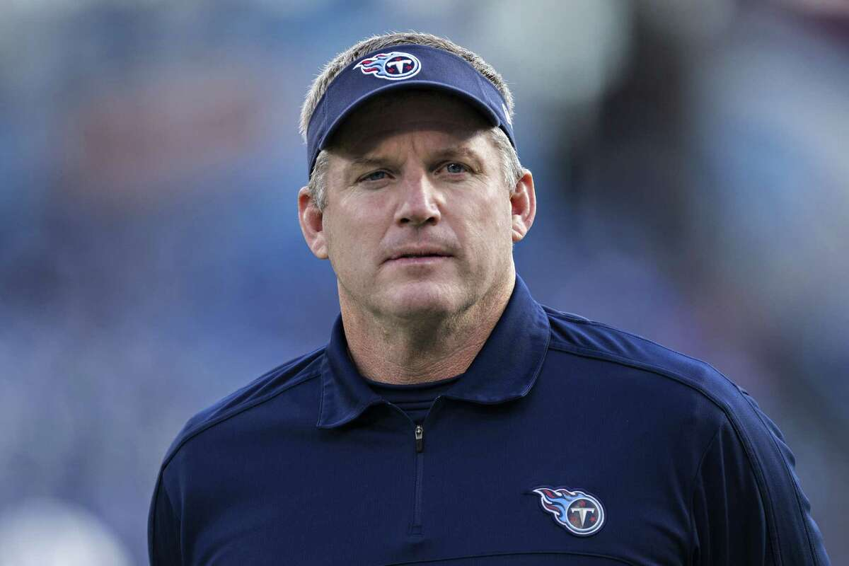 Former Oilers player Mike Munchak was the Titans' head coach for three years. Now he is the offensive line coach for the Steelers, who visit Houston for a game on Christmas Day.