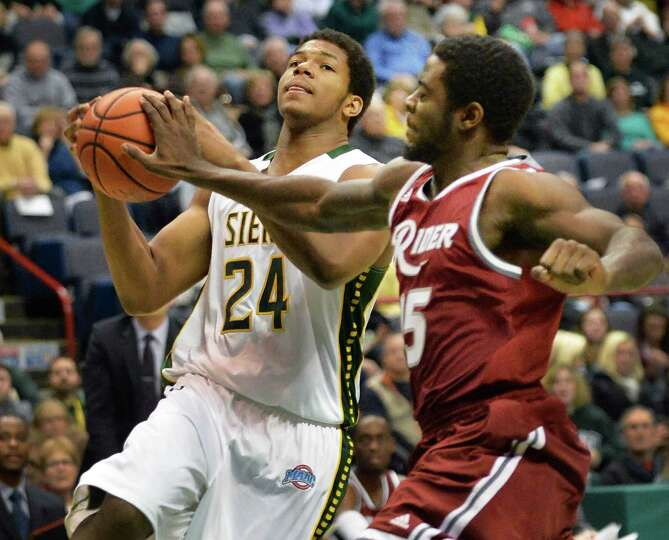 Siena's #24 Lavon Long, left, and Rider's #15 Kahlil Alford during Saturday's game at the Times Unio