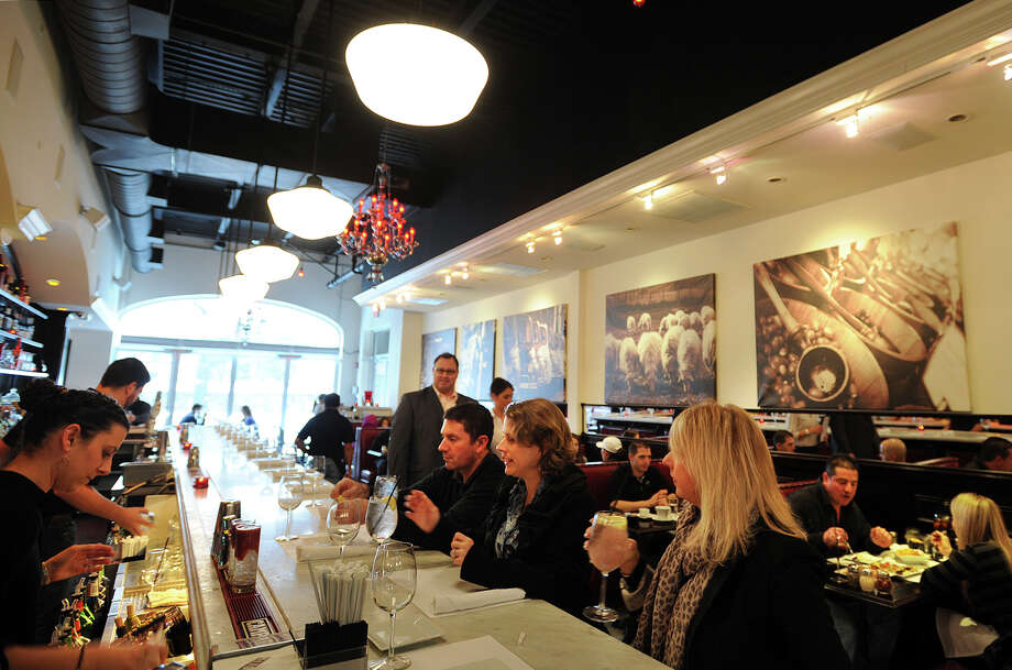 The popular Molto at 1215 Post Road in Fairfield even draws a decent crowd in foul weather on Sunday, January 5, 2014. Fairfield County has the second highest number of restaurants per capita of any region in the nation, trailing only San Francisco, California. Photo: Brian A. Pounds / Connecticut Post