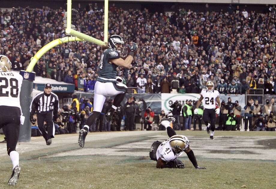 Eagles wide receiver Riley Cooper leaps for a tourchdown reception. Photo: Ron Cortes, McClatchy-Tribune News Service