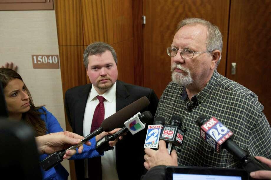 David Sowders, center right, father of Matthew Sowders expresses his support for his son who is charge with capital murder as he exits the 338th State District Court at the Harris County Criminal Courthouse in Houston, Monday, Jan. 6, 2014, in Houston. Matthew Sowders' former attorney Dustan Neyland, center left, accompanies David Sowders during the statement to the members of the media. Photo: Marie D. De Jesus, Houston Chronicle / © 2014 Houston Chronicle