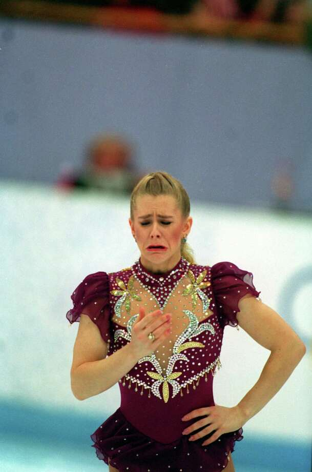 She left the ice in tears after the lace broke. Judges allowed her to continue.  Photo: Chris Cole, Getty Images / Getty Images Europe