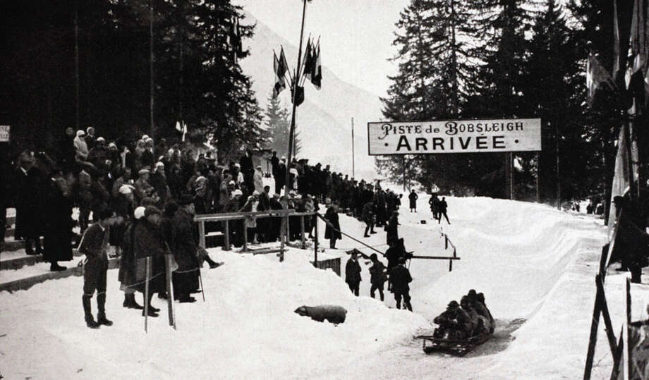 The four-man bobsleigh team from Italy rides the bobsleigh track at the Winter Games in Chamonix, France, in February 1924. Photo: Popperfoto, Getty Images / Popperfoto