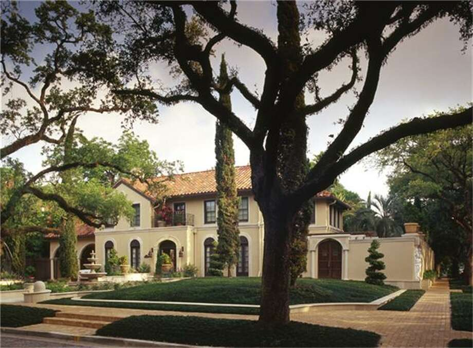 This home located at 1604 North Blvd. is currently listed for $4,900,000. Photo: Houston Association Of Realtors / HAR.com