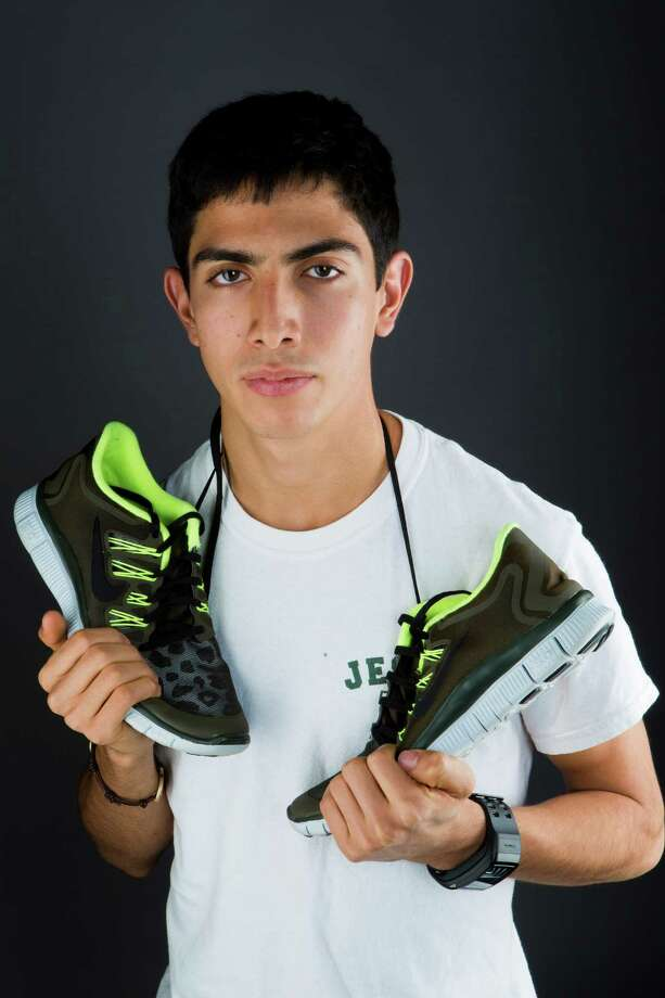 Frank Lara of Strake Jesuit was the state cross country title by five seconds.Frank Lara of Strake Jesuit was the state cross country title by five seconds. Photo: Marie D. De Jeséºs, Staff / © 2013 Houston Chronicle