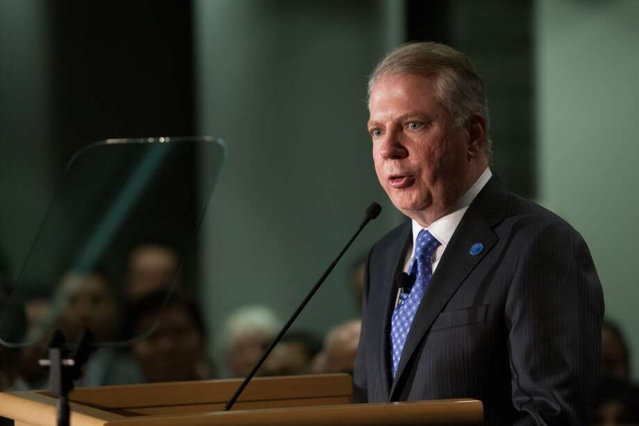 Seattle Mayor Ed Murray speaks after being sworn-in on Monday, January 6, 2014 at Seattle City Hall. Photo: JOSHUA TRUJILLO, SEATTLEPI.COM