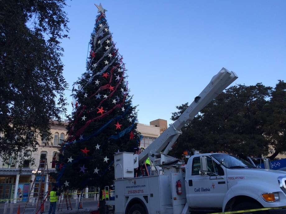 The Christmas tree at Alamo Plaza comes down Jan. 7, 2013. Photo: Cory Heikkila