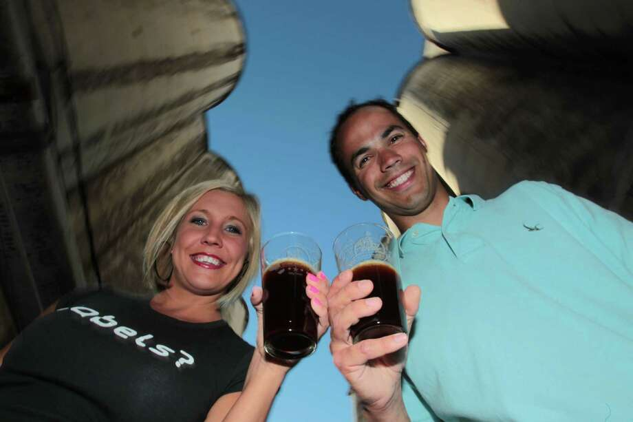 The owners of the No Label Brewing Co. are Jennifer and Brian Royo. Photo: Billy Smith II, HC Staff / Houston Chronicle