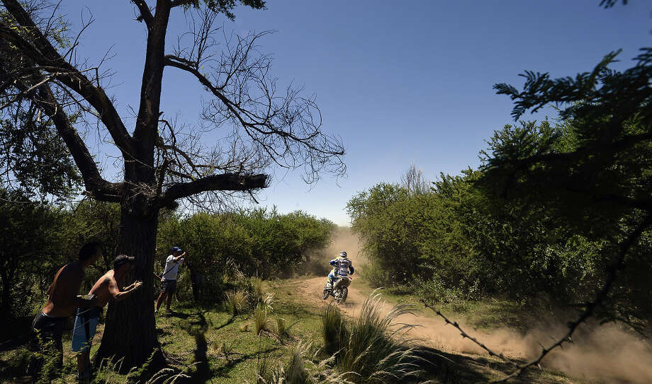 Dutch Henk Knuiman powers his KTM during the Dakar Rally 2014 Stage 1 between Rosario and San Luis, Argentina, on January 5, 2014. Photo: FRANCK FIFE, AFP/Getty Images / 2014 AFP