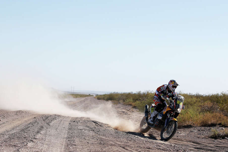 Marc Coma of Spain for the KTM Red Bull Rally Factory Team competes on Day 2 of the Dakar Rally 2014 on January 6, 2014 near the Dunes of Nihuil, Argentina. Photo: Dean Mouhtaropoulos, Getty Images / 2014 Getty Images