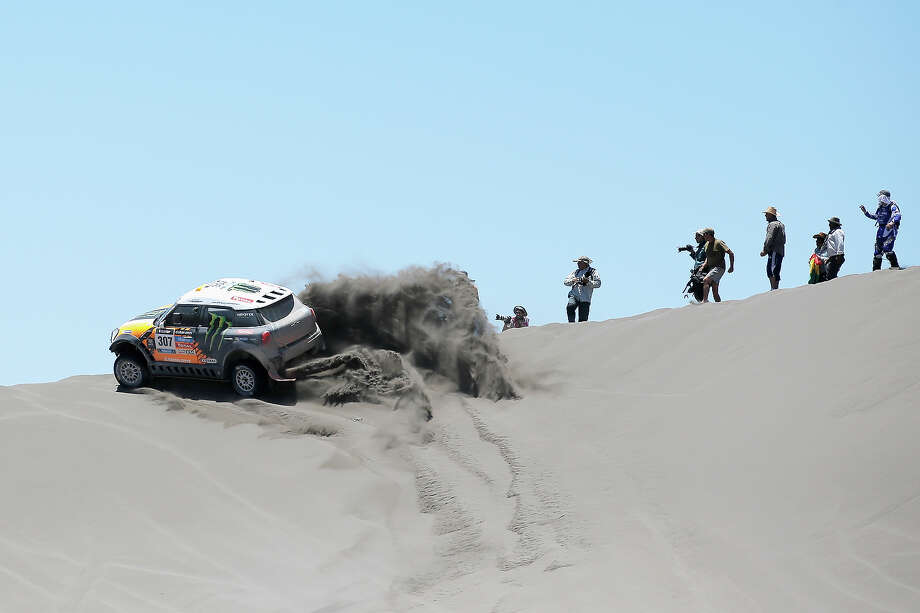 Orlando Terranova of Argentina and Paulo Fiuza of Portugal in the MINI for Monster Energy X-Raid Team competes on Day 2 of the Dakar Rally 2014 on January 6, 2014 in the Dunes of Nihuil, Argentina. Photo: Dean Mouhtaropoulos, Getty Images / 2014 Getty Images