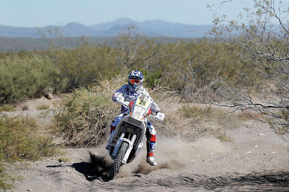 Henk Knuiman of the Netherlands on the KTM Equipe Knuiman competes on Day 2 of the Dakar Rally 2014 on January 6, 2014 near the Dunes of Nihuil, Argentina. Photo: Dean Mouhtaropoulos, Getty Images / 2014 Getty Images