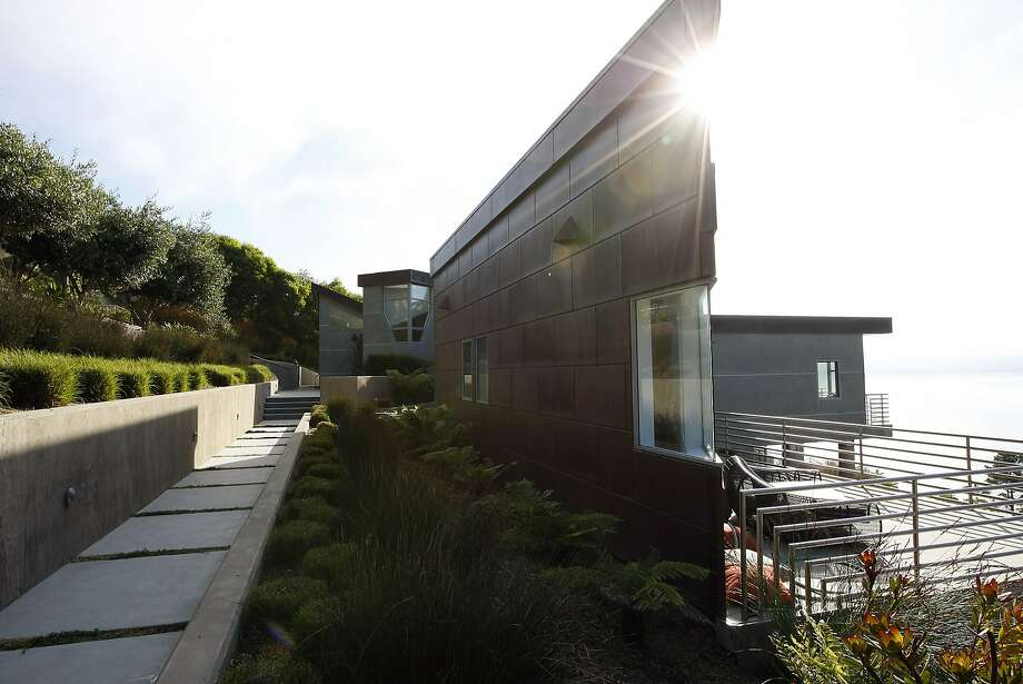 The home of Bill and Laurel Levin designed by Kler Architects in Muir Beach, CA Saturday, November 2, 2013. Photo: Michael Short, The Chronicle