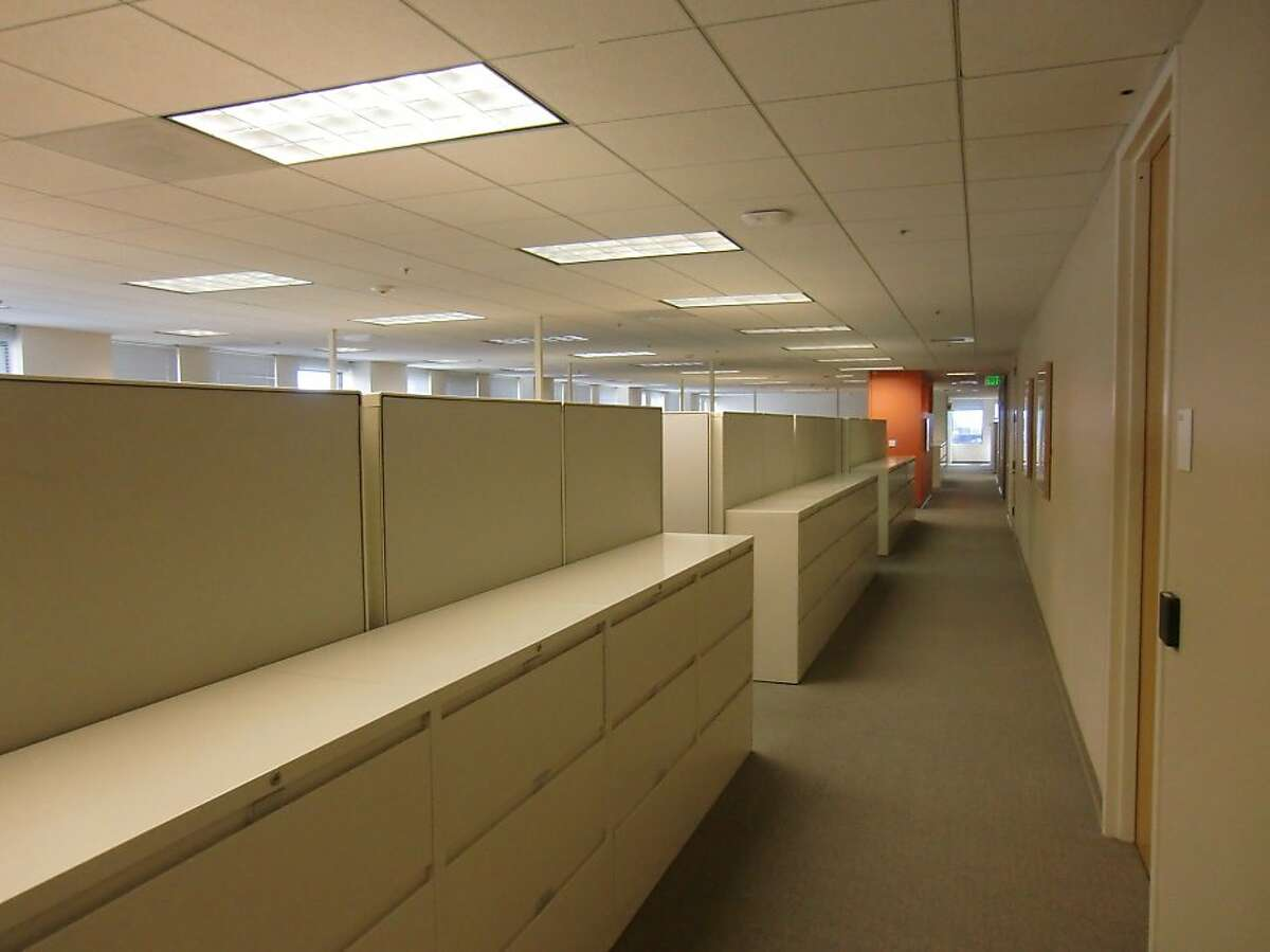 At Kaiser Permanente in Oakland, a traditional space has been redone in the style of tech firms.