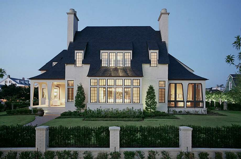 This stunning home in The Woodlands has something for everyone. Photo: Houston Association Of Realtors