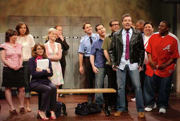 Rachel Dratch, Maya Rudolph, Tina Fey, Amy Poehler, Darrell Hammond, Will Forte, Chris Parnell, Fred Armisen, Jimmy Fallon, Finesse Mitchell, Horatio Sanz, and Kenan Thompson during the
