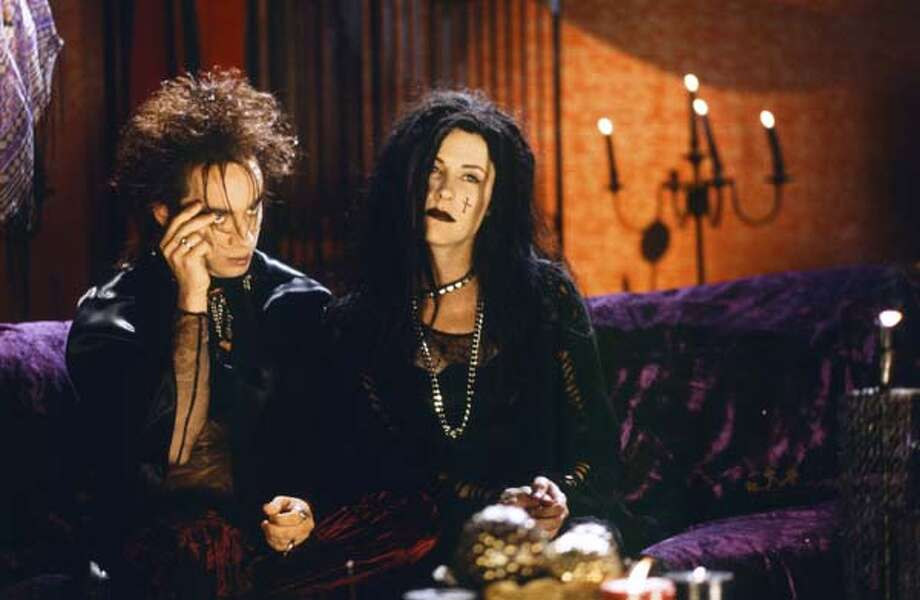 Chris Kattan as Azrael Abyss and Molly Shannon as Circe Nightshade during the 'Goth Talk' skit on May 17, 1997 Photo: NBC, NBC Via Getty Images / © NBCUniversal, Inc.