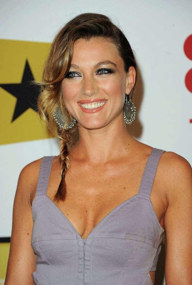 Actress Natalie Zea, aka Winona Hawkins. Photo: Jason Merritt, Getty Images / 2011 Getty Images