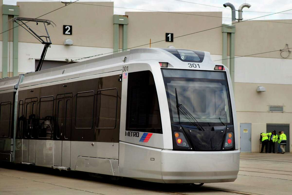The first of Metro's 39 new light railcars exceeds weight specifications and has yet to pass a water test.