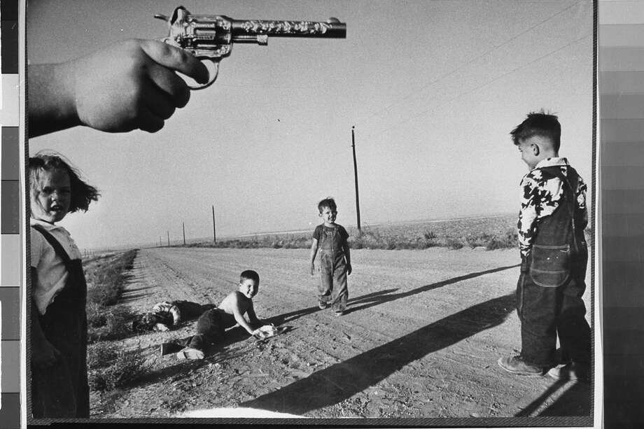 Toy guns in publicThese days, doing this is liable to result in an arrest — or worse — getting shot by the cops, but in 1964, it was all good. Photo: Howard Sochurek, Time & Life Pictures/Getty Image / Time Life Pictures