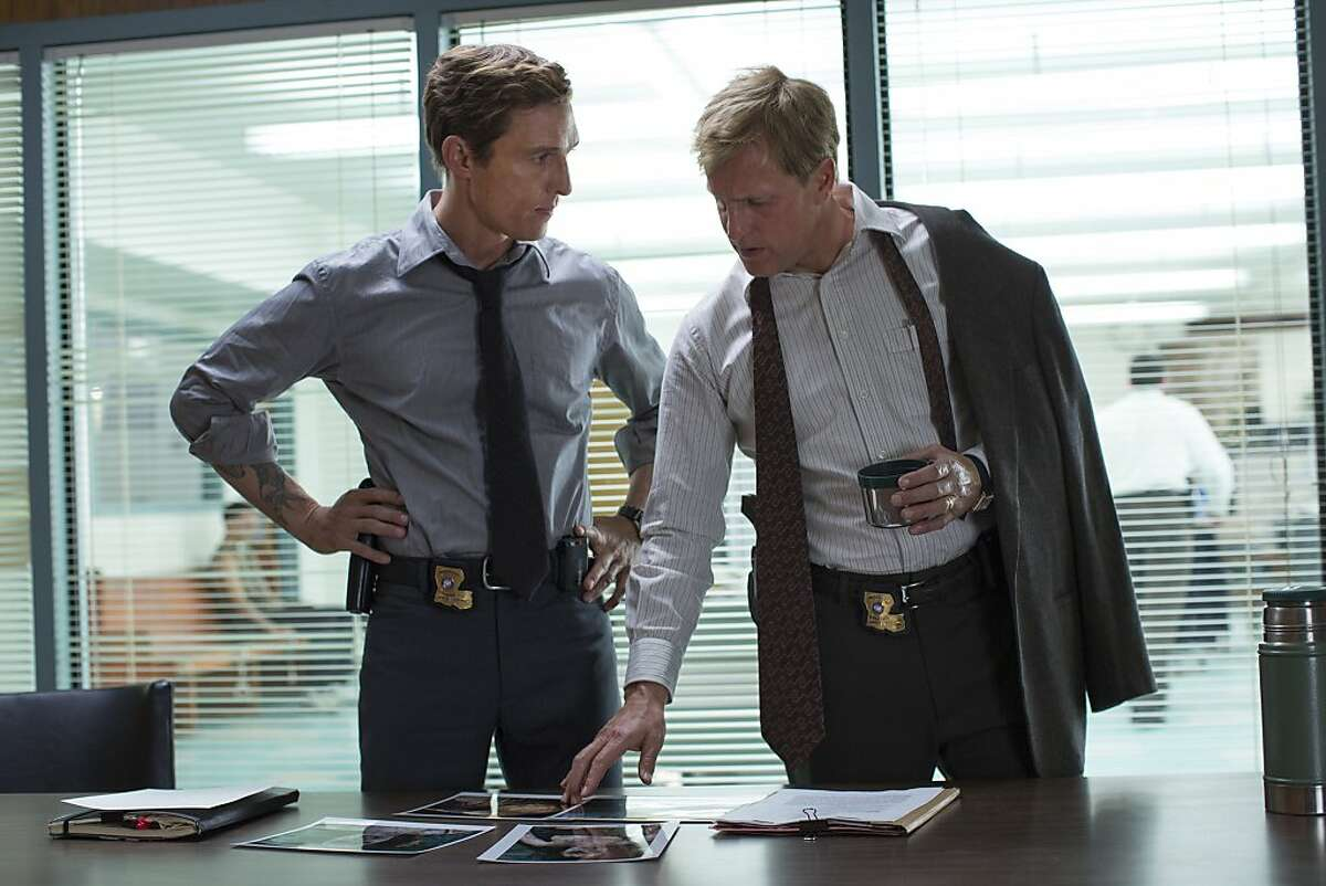 TRUE DETECTIVE episode 3: Matthew McConaughey, Woody Harrelson.