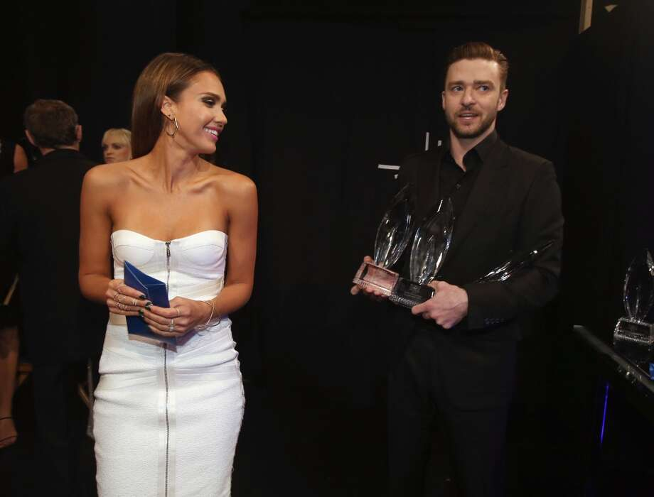 Actress Jessica Alba and actor/singer Justin Timberlake pose with the award for Favorite Album during The 40th Annual People's Choice Awards at Nokia Theatre L.A. Live on January 8, 2014 in Los Angeles, California.  (Photo by Christopher Polk/Getty Images for The People's Choice Awards) Photo: Christopher Polk
