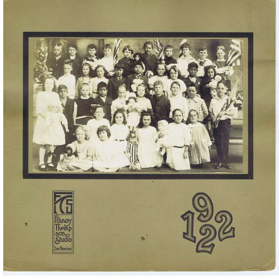 Frances Thompson studios class photo from 1922. From the collection of Bob Bragman Photo: From The Collection Of Bob Bragman