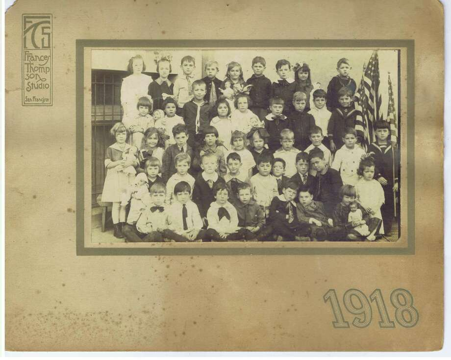 Frances Thompson studios class photo from 1918. From the collection of Bob Bragman Photo: From The Collection Of Bob Bragman