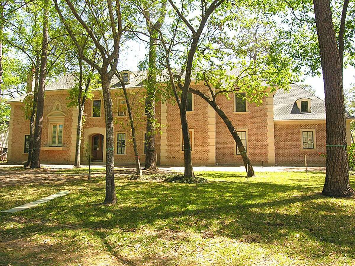 22 Willowron Drive Original list price: $3,995,000 Final list price: $3,995,000