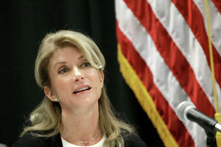 Texas Sen. Wendy Davis speaks at an education roundtable meeting in Arlington, Texas, Thursday, Jan. 9, 2014.  Davis, the presumptive Democratic nominee for Texas governor, unveils education proposals at a North Texas the meeting. (AP Photo/LM Otero) Photo: LM Otero, STF / AP