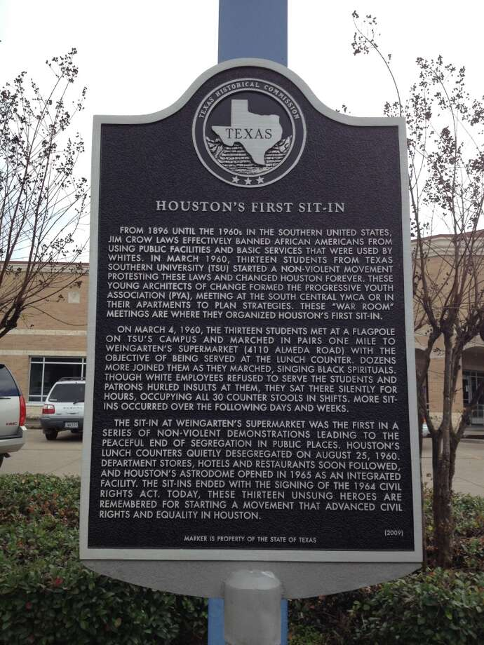 Texas Historical Commission marker commemorating Houston's first sit-in demonstration to desegregate public accommodations. The 1960 non-violent protest was at 4110 Almeda, which was then Weingarten's supermarket. (Cindy George | Houston Chronicle)