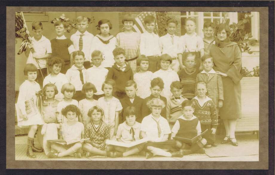 Frances Thompson studios class photo from 1925. From the collection of Bob Bragman