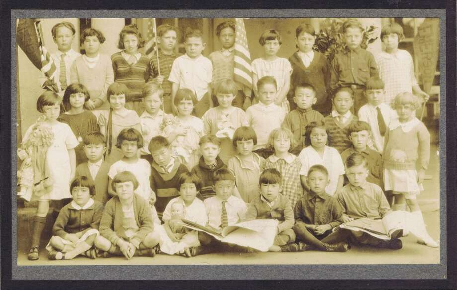 Frances Thompson studios class photo from 1926. From the collection of Bob Bragman
