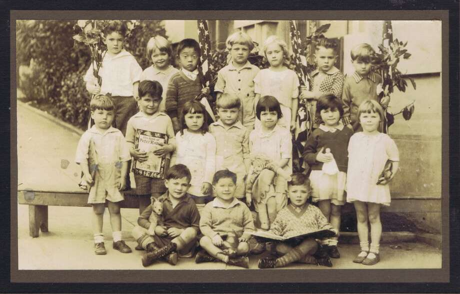 Frances Thompson studios class photo from 1929. From the collection of Bob Bragman