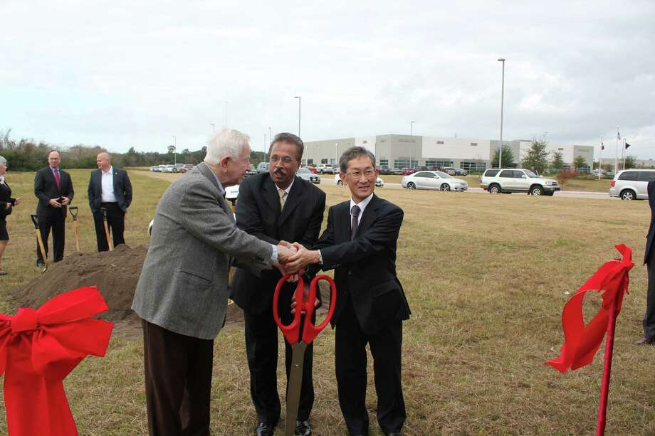 MHI Compressor Manufacturing Corp. celebrated the  groundbreaking for its Pearland site. From left: Tom Reid, mayor of Pearland, Gampa Bhat, president of MHI Compressor International Corp., and Hiroaki Osaki, president of Mitsubishi Heavy Industries Compressor Corp.