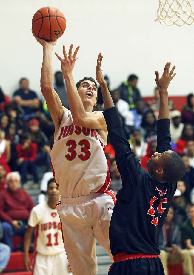 Rockets center David Wacker, a 6-foot-9 senior signed to Boise State, puts up a jumper from the baseline against Wagner's Demetris Keno. Wacker had 19 points and 13 rebounds. Photo: Tom Reel / San Antonio Express-News