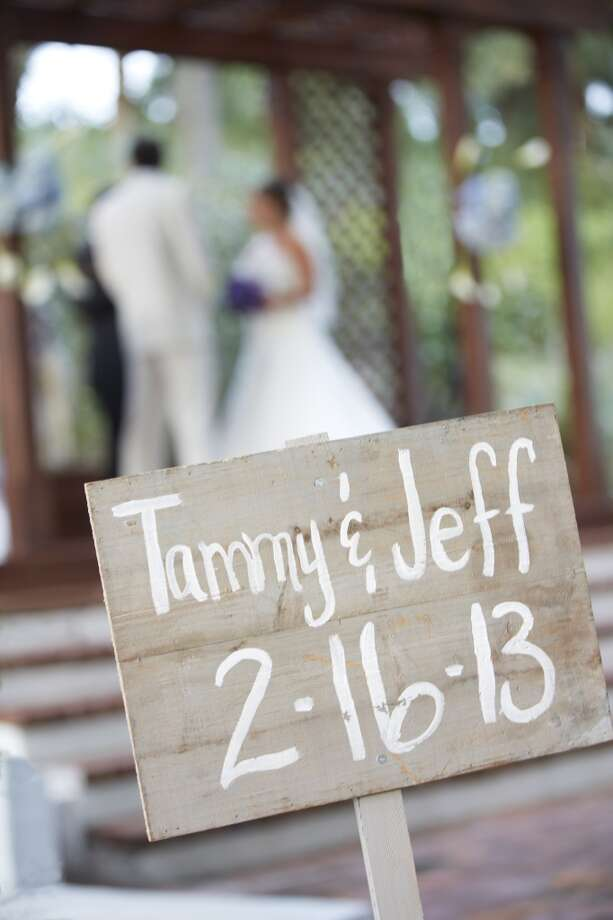 Make it a date.Often, the venue dictates the date, so it helps to keep an open mind on your ideal timeline, Hoang-To says. Photo: Dana Hoff, Getty Images