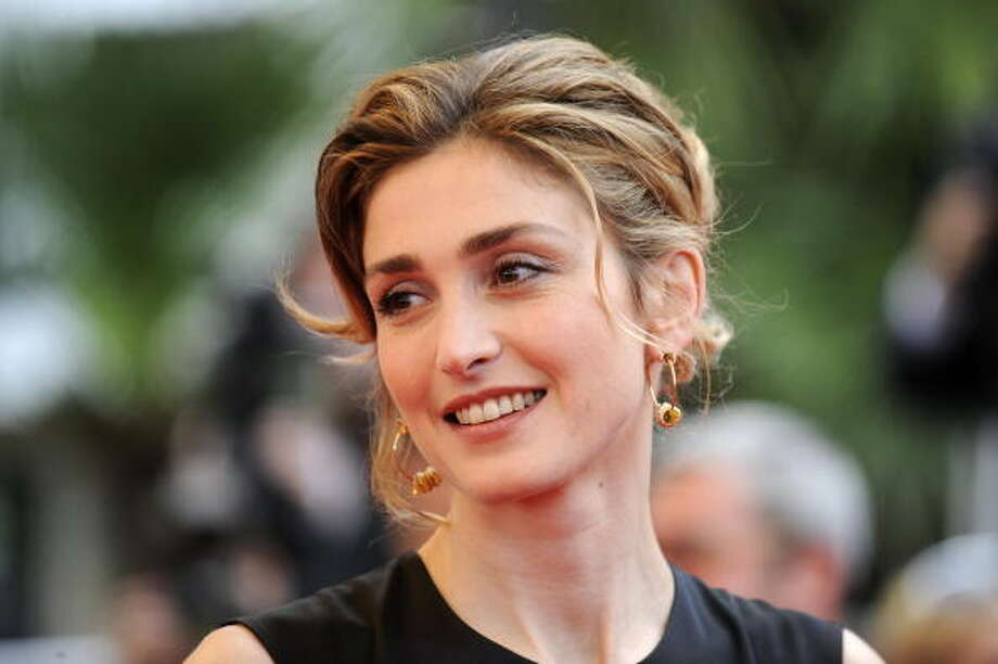 French actress Julie Gayet arrives for the screening of the movie Chun Feng Chen Zui De Ye Wan (Spring Fever) in competition at the 62nd Cannes Film Festival on May 14, 2009. Defying the authorities, controversial Chinese director Lou Ye is offering a movie on love and homosexuality at the Cannes film festival this week that was shot on the quiet in east China despite a state work ban.   AFP PHOTO / ANNE-CHRISTINE POUJOULAT (Photo credit should read ANNE-CHRISTINE POUJOULAT/AFP/Getty Images) Photo: ANNE-CHRISTINE POUJOULAT, AFP/Getty Images / 2009 AFP