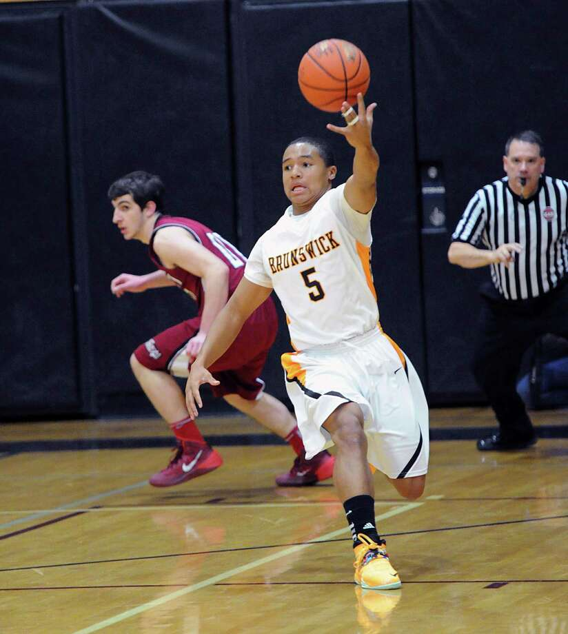 Boys high school basketball game between St. Luke's School and Brunswick School at St. Luke's in New Canaan, Conn., Friday night, Jan.10, 2014. Photo: Bob Luckey / Greenwich Time