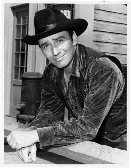 "James Drury gained fame as the star of ""The Virginian,"" a groundbreaking 90-minute Western that ran on NBC from 1962 to 1971 and still has fans thanks to DVDs and cable TV reruns. / handout"