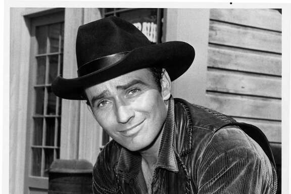 "James Drury gained fame as the star of ""The Virginian,"" a groundbreaking 90-minute Western that ran on NBC from 1962 to 1971 and still has fans thanks to DVDs and cable TV reruns."