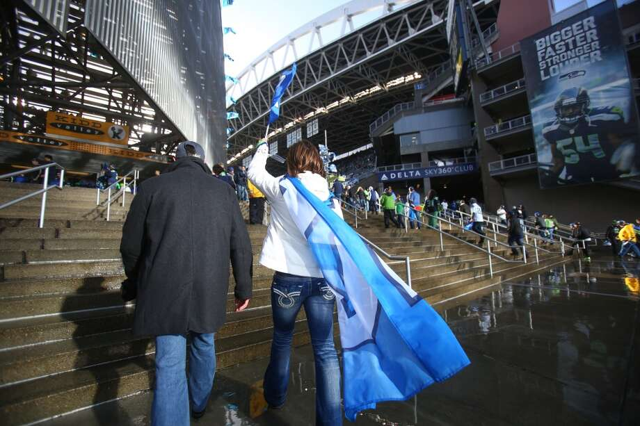Seattle Seahawks fans enter the stadium during the NFC Divisional Playoff game on Saturday, January 11, 2014 at CenturyLink Field in Seattle. Photo: JOSHUA TRUJILLO, SEATTLEPI.COM