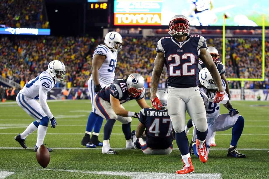 Stevan Ridley #22 of the Patriots celebrates after scoring a touchdown. Photo: Al Bello, Getty Images