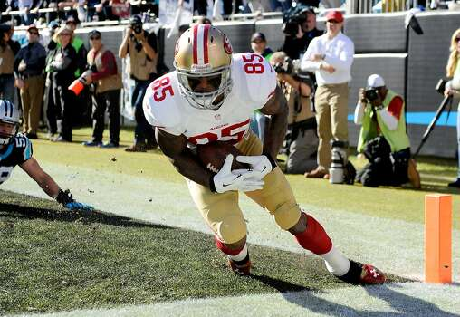 CHARLOTTE, NC - JANUARY 12: Vernon Davis #85 of the San Francisco 49ers catches a touchdown in the second quarter against the Carolina Panthers during the NFC Divisional Playoff Game at Bank of America Stadium on January 12, 2014 in Charlotte, North Carolina.  (Photo by Grant Halverson/Getty Images) *** BESTPIX *** Photo: Grant Halverson, Getty Images