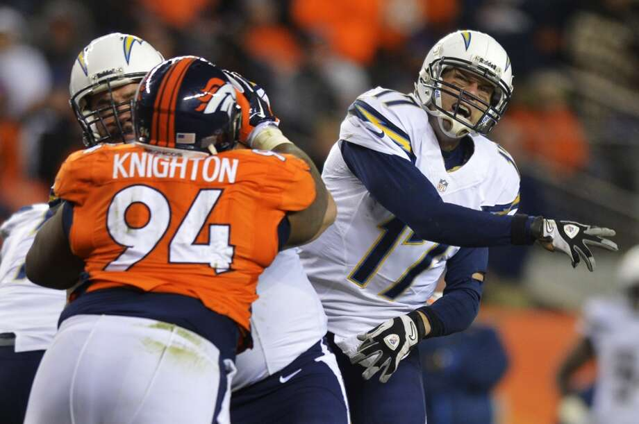 Chargers quarterback Philip Rivers (17) follows through on a pass. Photo: Jack Dempsey, Associated Press