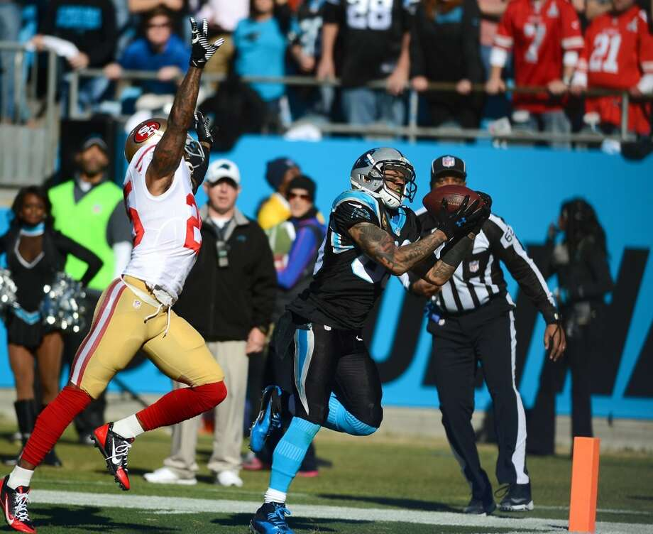 Panthers wide receiver Steve Smith (89) catches a touchdown. Photo: Jeff Siner, McClatchy-Tribune News Service