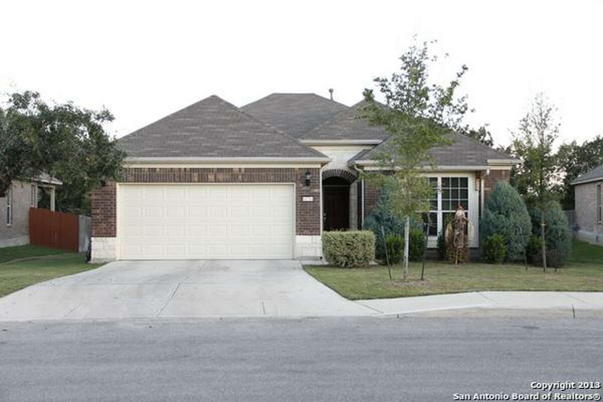 $215,000 - Immaculate 3/2/2 one story home located in the heart of Alamo Ranch. Approximately 1,885 sq ft, high ceilings, open floor plan, ceramic tile, and an attached covered porch. MLS: 1033340