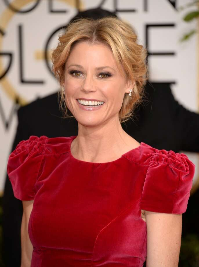 Cap sleeves. Julie Bowen (of best series nominee Modern Family) in Carolina Herrera. Photo: Jason Merritt, Getty Images