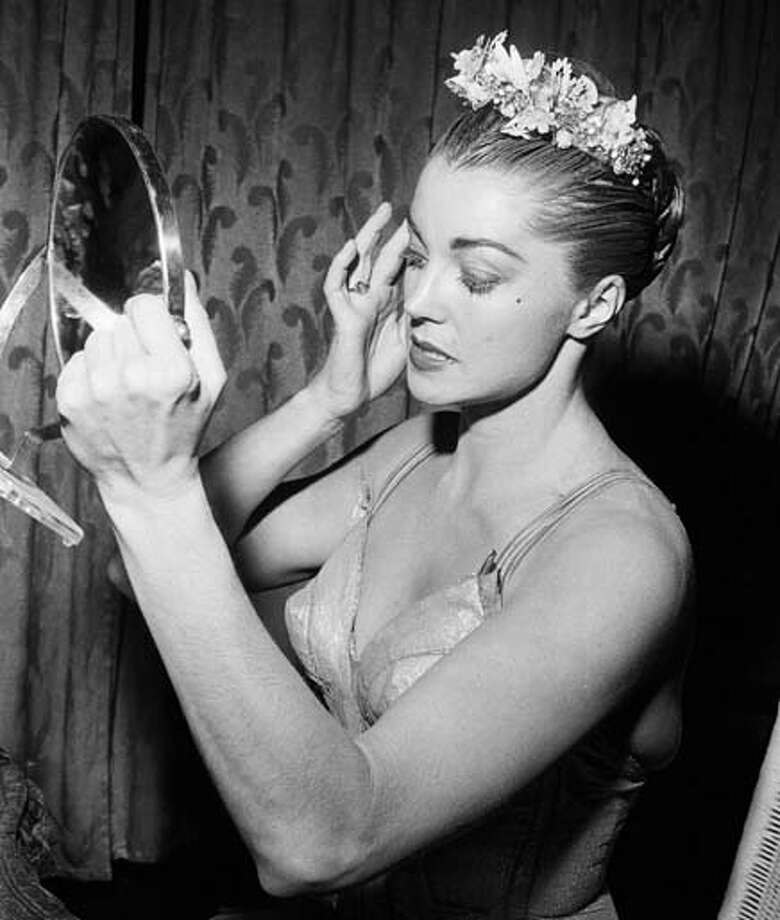 Actress/swimmer Esther Williams primps in 1956. Photo: NBC, NBCU Photo Bank Via Getty Images / 2012 NBCUniversal Media, LLC