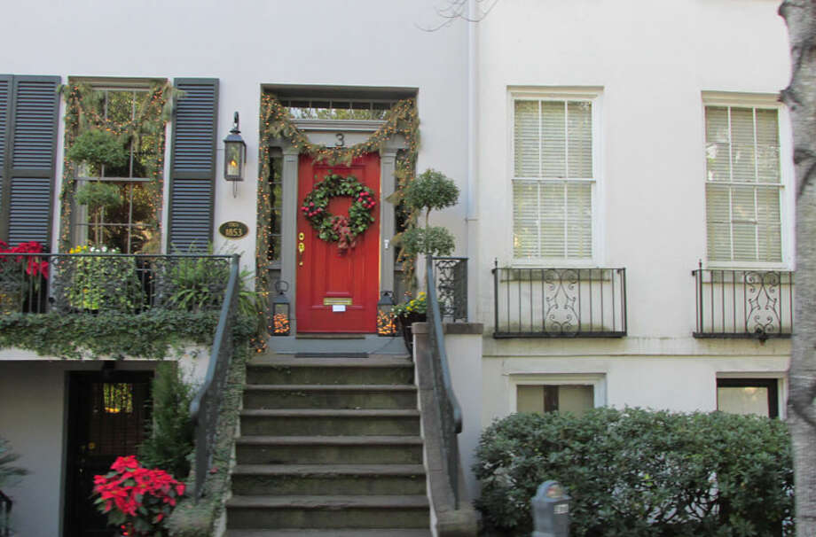 Historic Savannah home dressed up for the holidays. Photo: Sarah Diodato